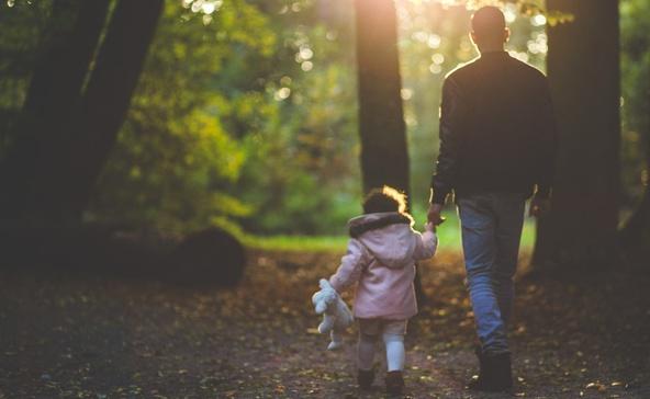 Nő a gyermekvédelembe kerülők száma, nincs elég nevelőszülő