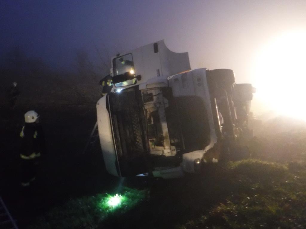 A kamion Görgetegnél tért le a 68-as főútról