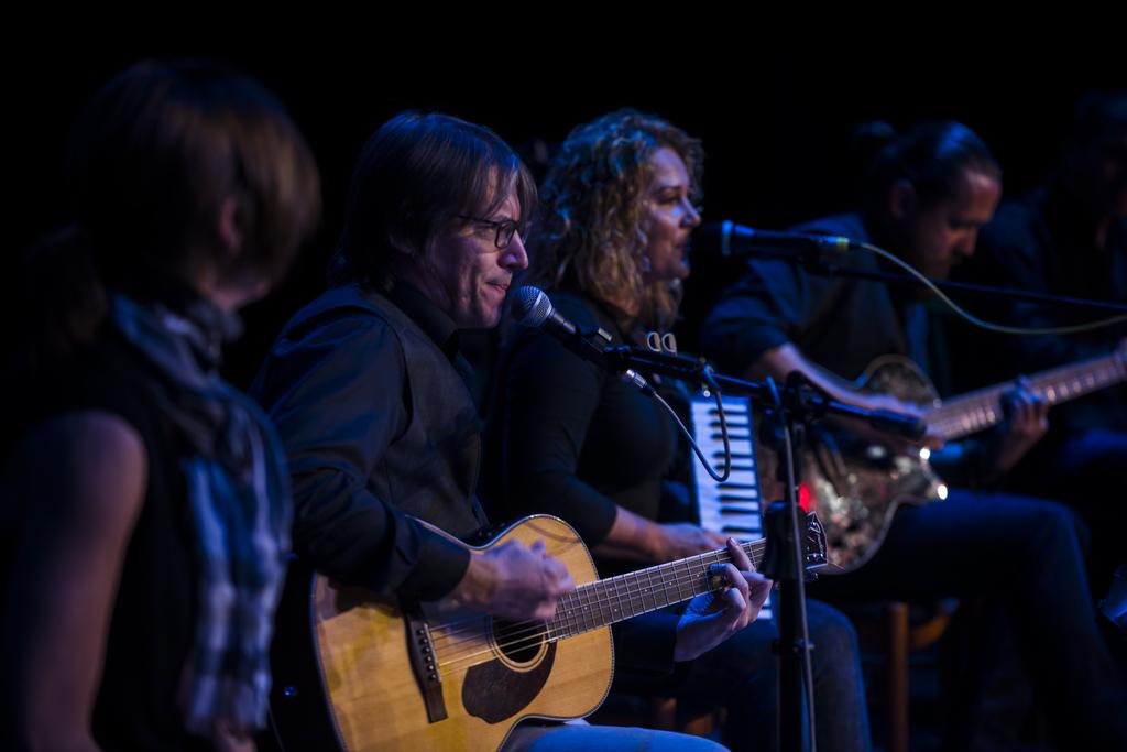 Az Acoustic Classroom zenészei is szórakoztatták a nézőket