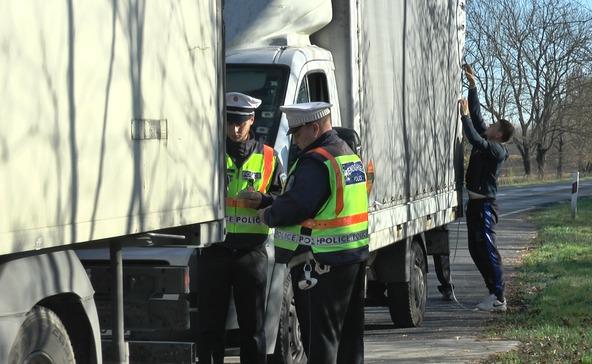Száguldó kamionok