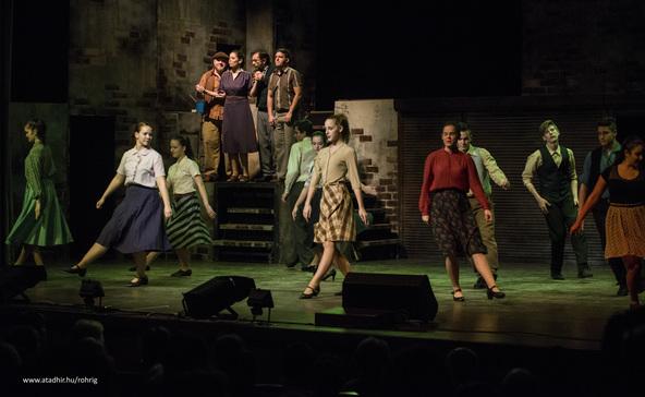 Szórakoztató és szívhez szóló a Roxínház műsora