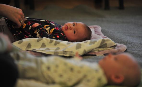 Babusgató babamasszázs
