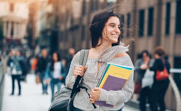 Felsőoktatási ösztöndíjra pályázhatnak