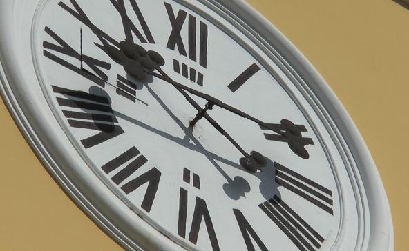 Ingerlékenység és kimerültség - szükség van az óraátállításra?