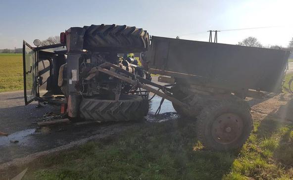 Felborult egy traktor Görgetegen
