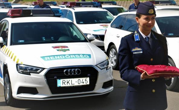 Új rendőrautókat kapott Somogy