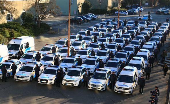Új rendőrautók Nagyatádon is