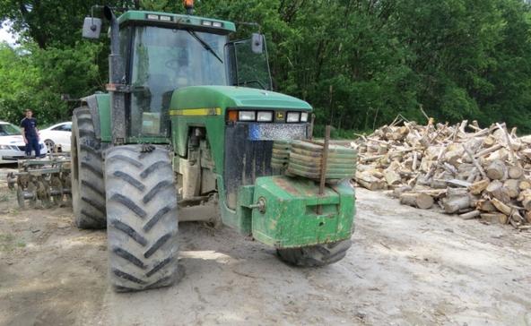 Átrendszámozták a traktor