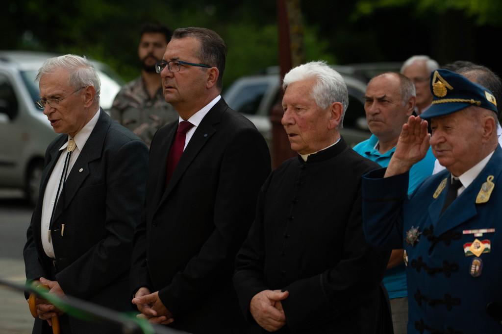 A határon túli magyarok bevonása a feladatunk - hangzott el az ünnepségen.