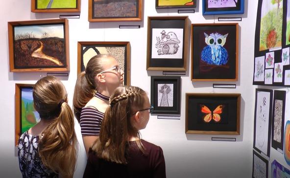 A művészeti iskola tanév végi rajzkiállítása