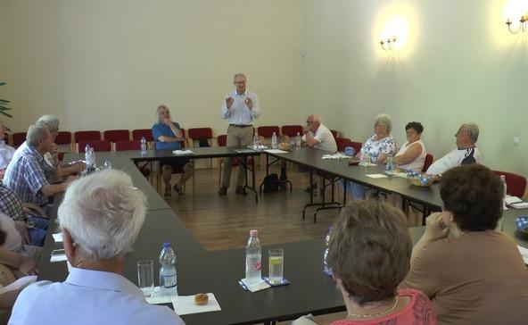 Célt adnak az időseknek a nyugdíjas klubok