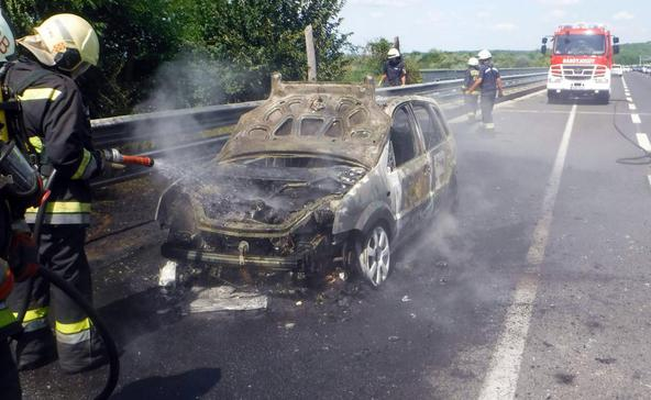 Kigyulladt autó, viharkárok és hármas karambol