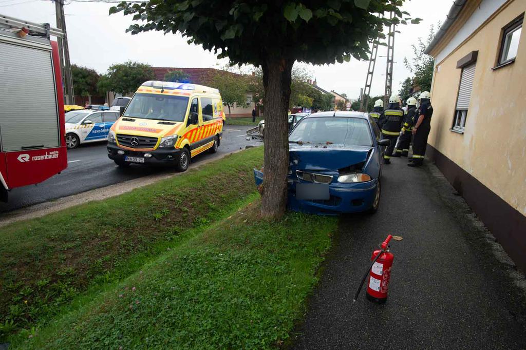 A balesethez közel lakott az utóban utazó pár.