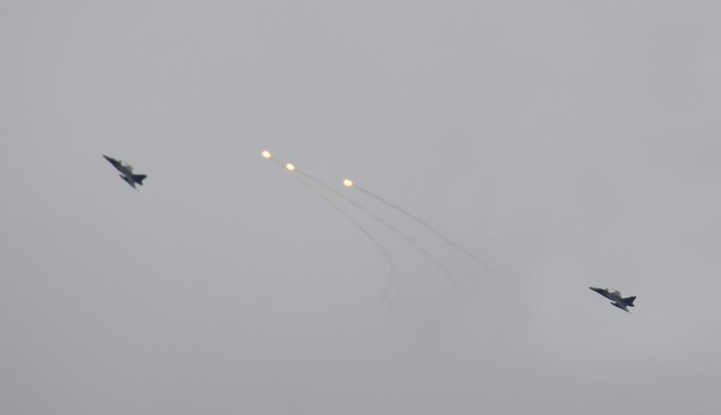 Tüzet nyitottak a vadászrepülők