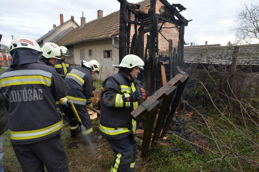 A tűz szerencsére nem terjedt át más épületre