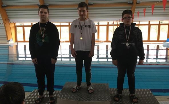 Két tucat versenyszámban úsztak a diákolimpiai döntőn