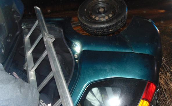 Árokba borult egy autó Kadarkútnál