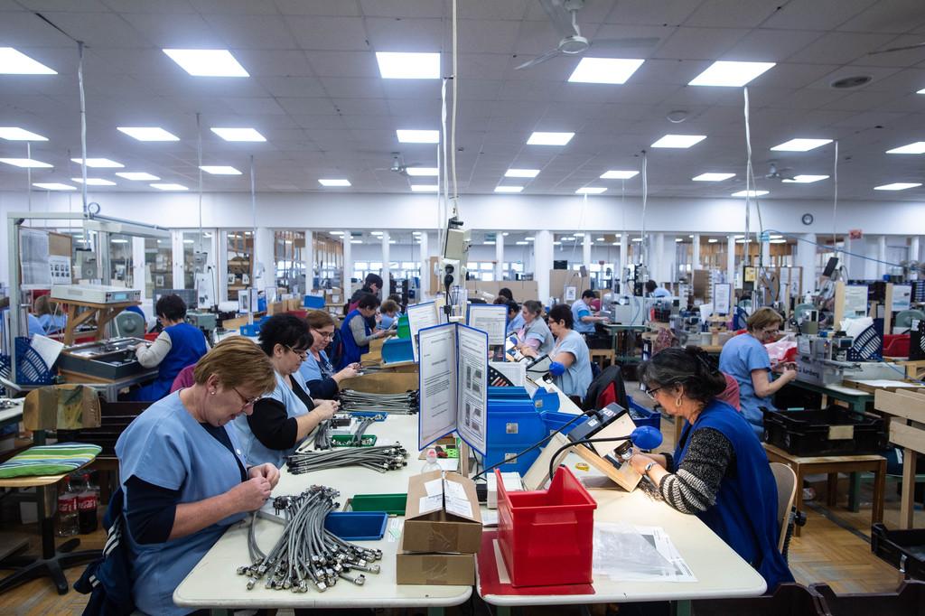 Több százan dolgoznak egy légtérben