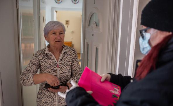 Önkéntesekkel is gondoskodik az idősekről, 150 emberre főz és csökkenti a bérleti díjat Nagyatád a veszélyhelyzetben