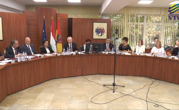 Egyhavi tiszteletdíjukat ajánlották föl a nagyatádi képviselők