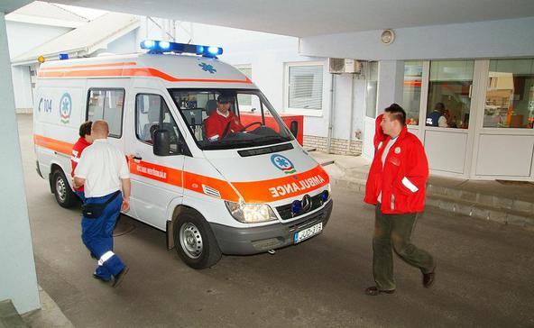 Mentősök, ápolók: béremelés vagy sztrájk!