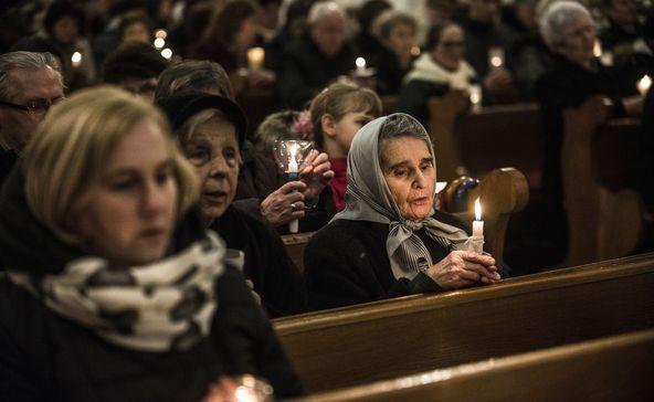 Újra tartanak nyilvános szentmisét és istentiszteletet