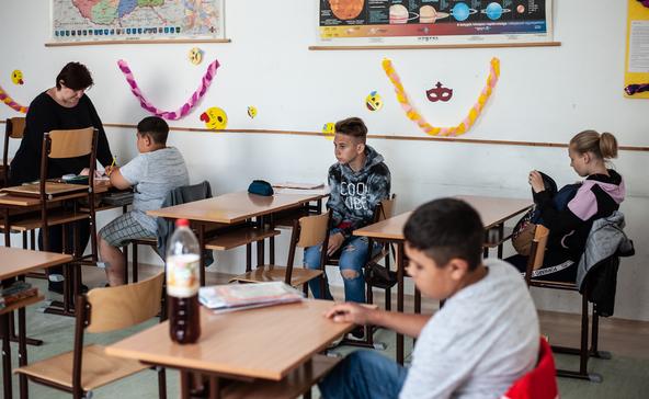 PSZ: már az iskolaőr is többet keres a tanárnál