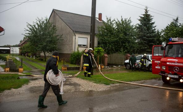Segesdi önkéntes tűzoltók: Armageddon van