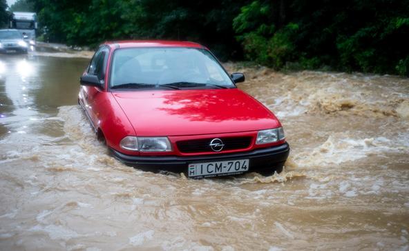Több utat is lezártak Somogyban a vízátfolyások miatt