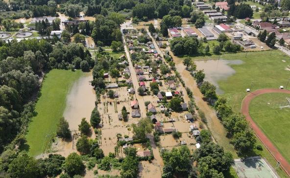 Légi felvételek és fotók a Rinya áradásáról