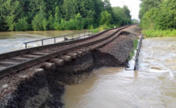 Még több helyen leállt a vasúti forgalom