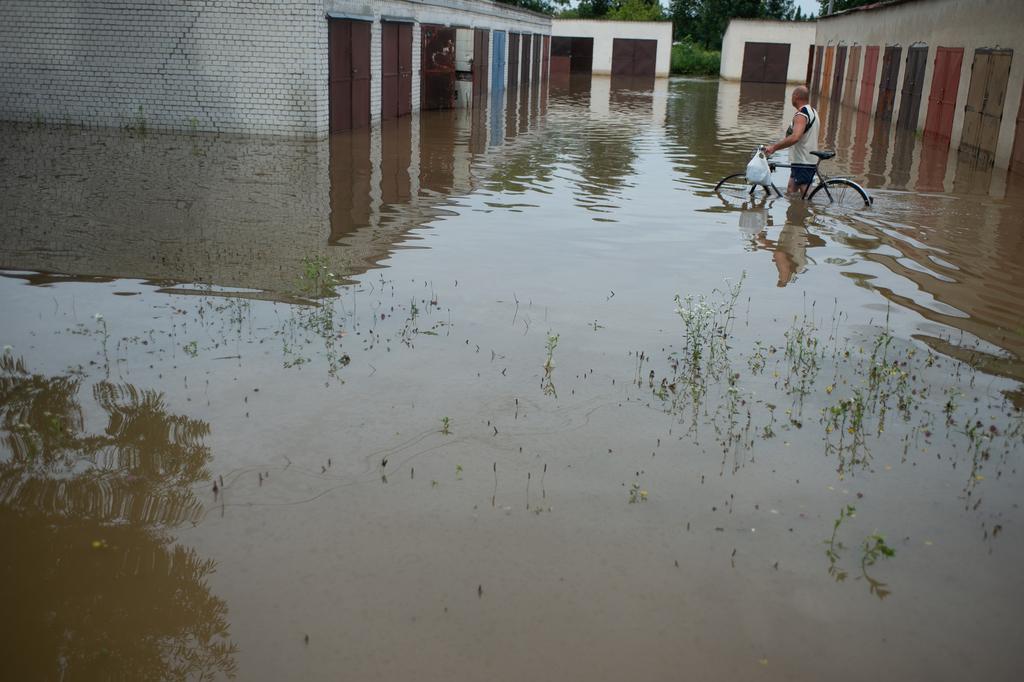 100 Jókai utcai garázs került víz alá