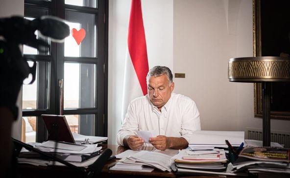 Orbán: 23 órakor be kell zárni a szórakozóhelyeket