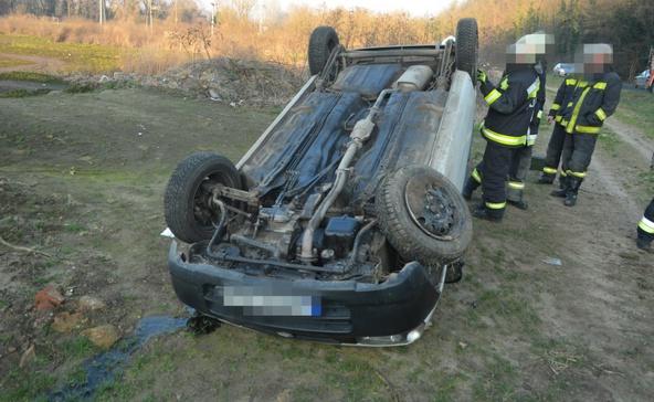 Büntetőfékezés miatt állt fejre a szabályosan közlekedő autó