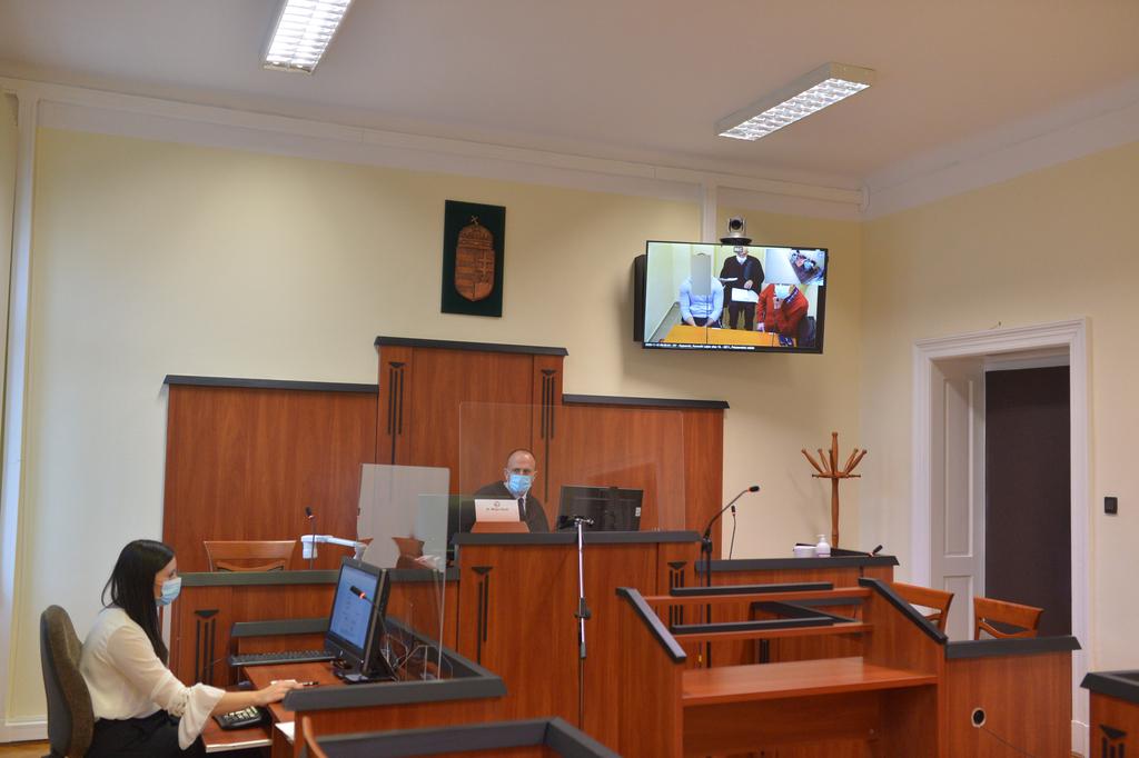 Elektronikus kapcsolattartással tartotta a tárgyalást a bíróság