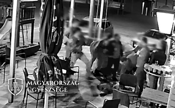 Családostul verekedtek egy ital miatt a nőnapi bulin