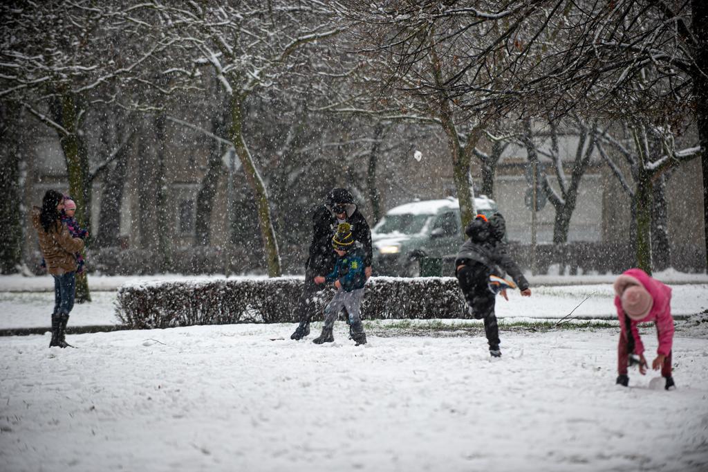 A havazás délutáni képei Nagyatádon. Fotók: Röhrig Dániel