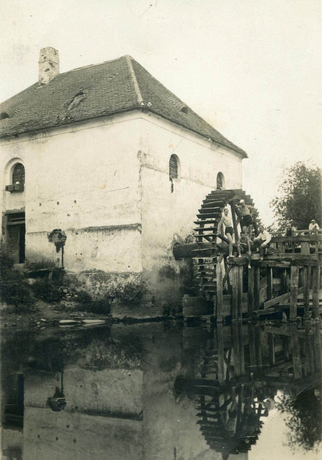 A kiserdei Szollár-malom a 30-as években (fotó: Knapp Lajos)