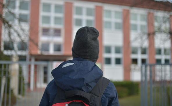 Csak május 10-én nyitnak a középiskolák
