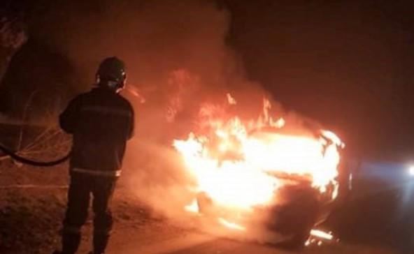 Teljesen kiégett egy autó