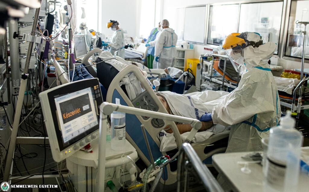 A Semmelweis Egyetem Aneszteziológiai és Intenzív Terápiás Klinikájának vörös zónája.