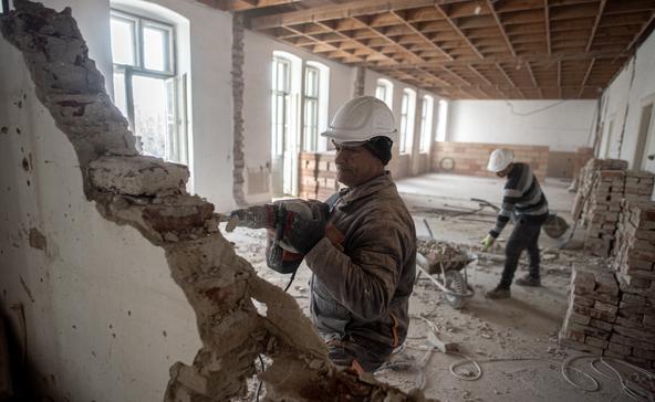 Elkezdődött Nagyatád meghatározó épületének felújítása