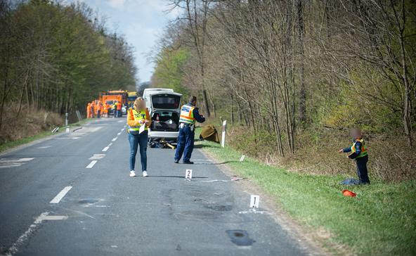 Tragédia Berzencén: Halálra gázolták a közút munkását