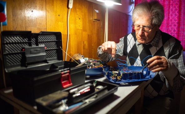 Szórakozásból javít kisgépeket az ezermester gyermekorvos