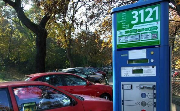 Holnap lesz utoljára ingyenes a parkolás az országban