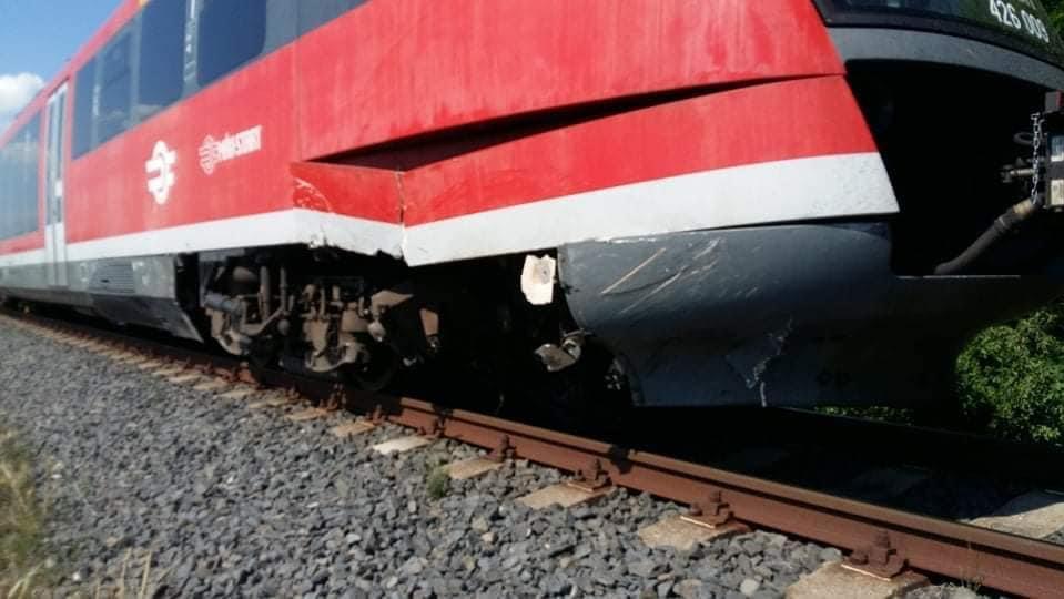 Vonattal ütközött egy autó