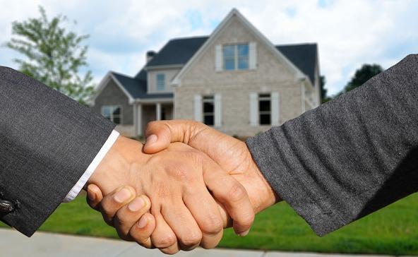 Növekvő bérek mellett is álom a saját lakás