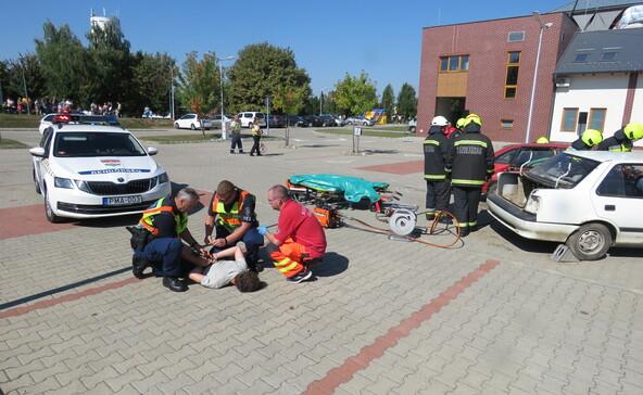 Így mentenek a mentősök, a katasztrófavédők és a rendőrök