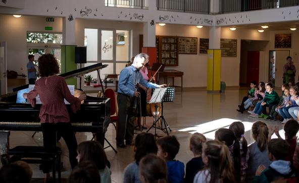 Koncertet adtak a Bárdos növendékei és tanárai a zene világnapján
