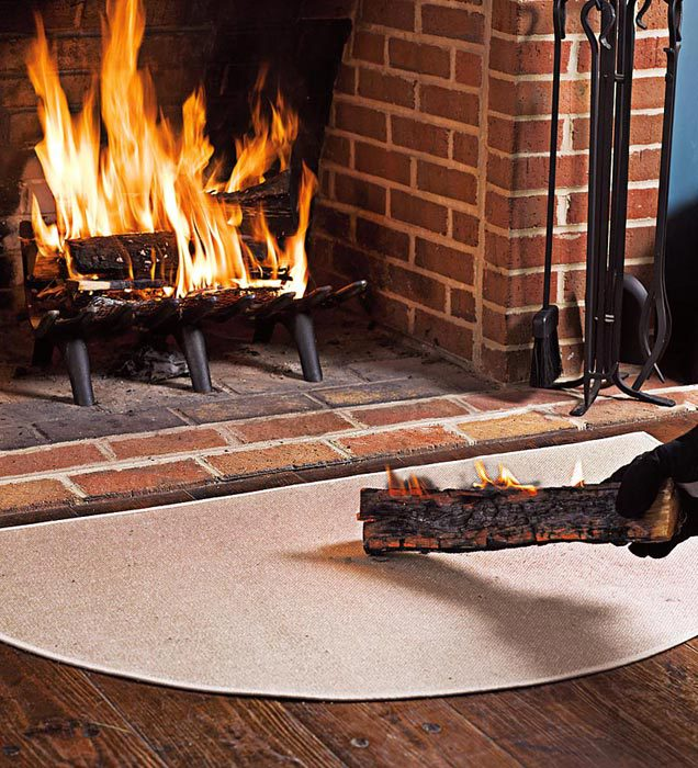 Éghető anyagot tilos a tűzhely elé helyezni!